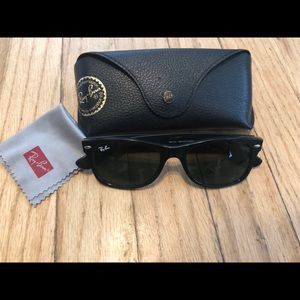 Ray-Ban wayfarer RB2132 sunglasses